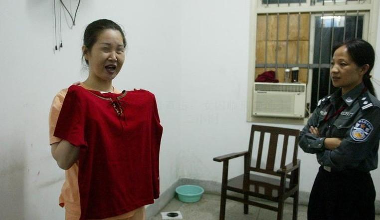 读书/6月24日晚,武汉市第一看守所,女警按囚犯要求买来临刑前的...