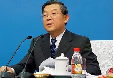 然气集团公司副总经理; 1998年3月,任国家石油和化学工业局副局