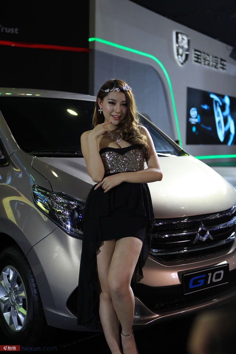 2013广州车展:大眼车模可爱迷人