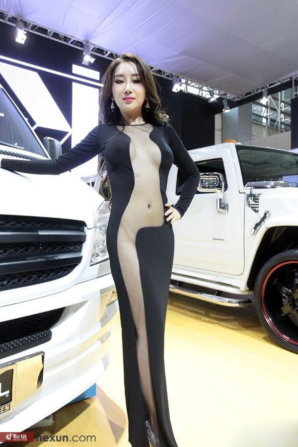 广州车展车模真空装 尺度太大