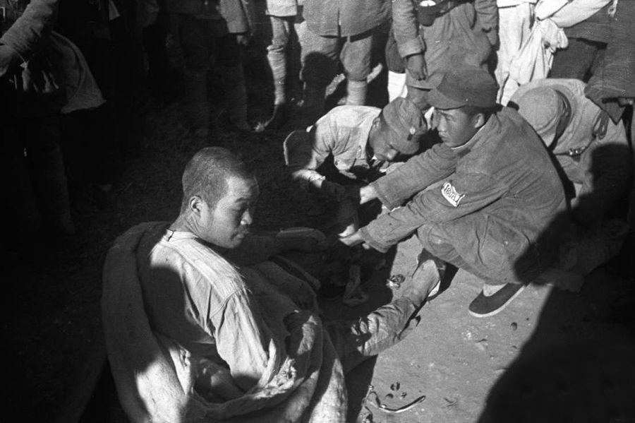 受感化浴血战场:延安工农学校里的日本战俘(组