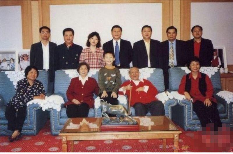 历届国家领导人全家福图片